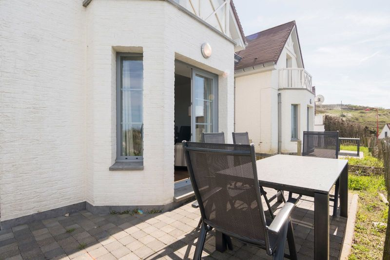 6p Villa along the sea in Hardelot Equihen with frontal sea view