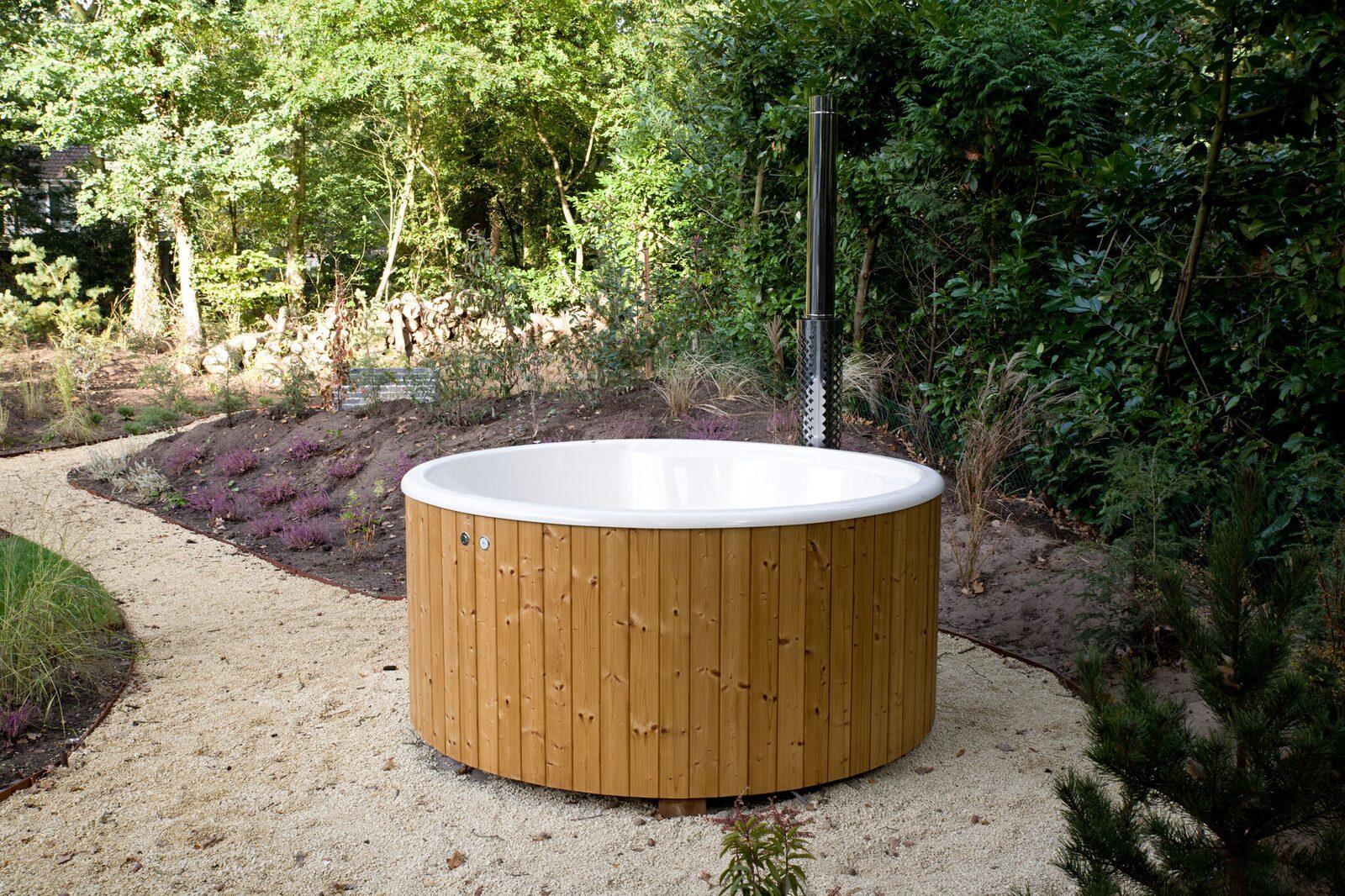Nutzung von Sauna und Badewanne im Wald-Bungalow Wellness