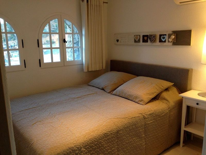 Beautiful holiday accommodation (4p) with communal pool, La Mourre Nr16 (Hameau les Claudins)