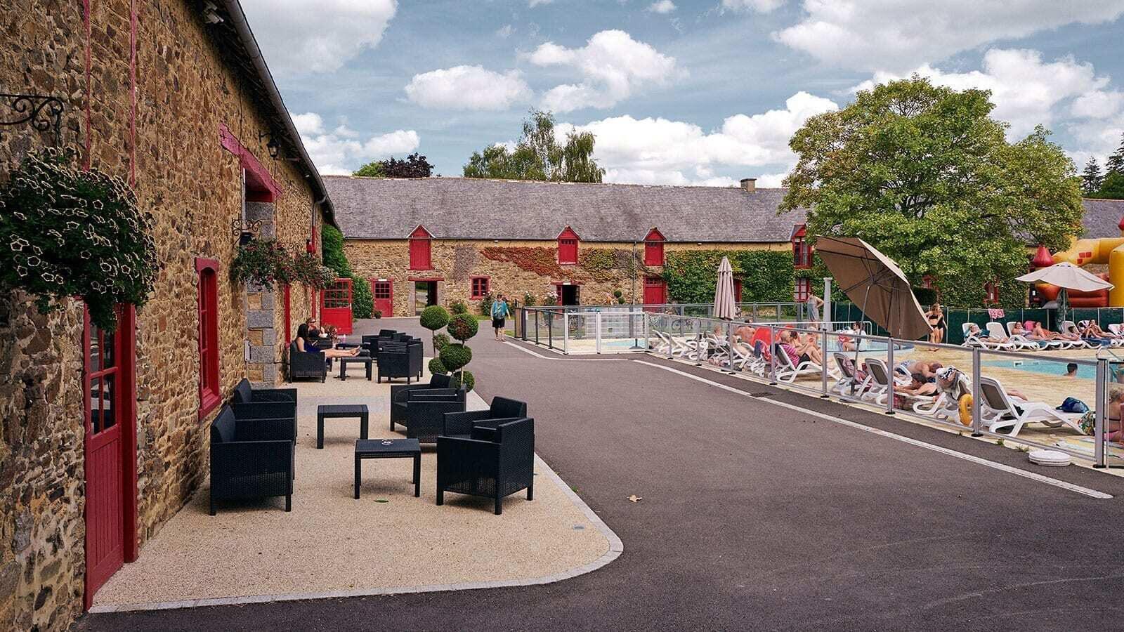 Domaine du Logis | Luxe Sanitair XL 6 Pers.