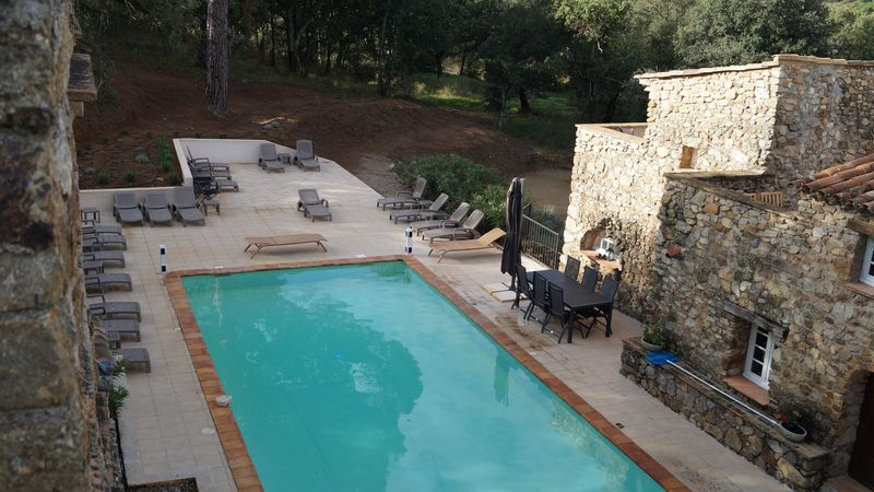 Luxurious holiday apartment (8p) with communal pool in the Provence (Mazet Nr 21, Hameau les Claudins)