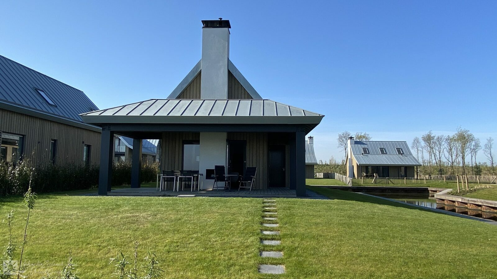 VZ756 Holiday Villa Tholen