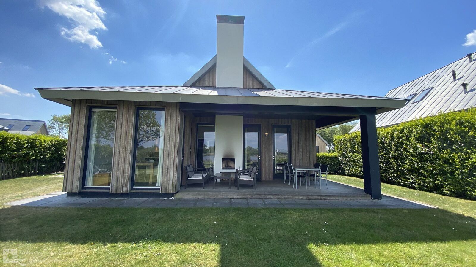 VZ834 Holiday villa Tholen