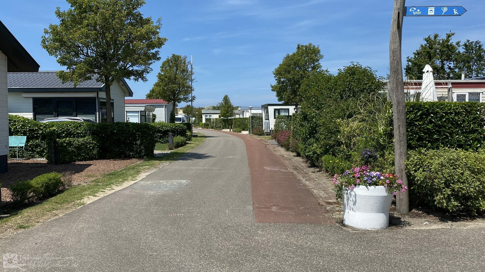 VZ705 Mobile home in Renesse