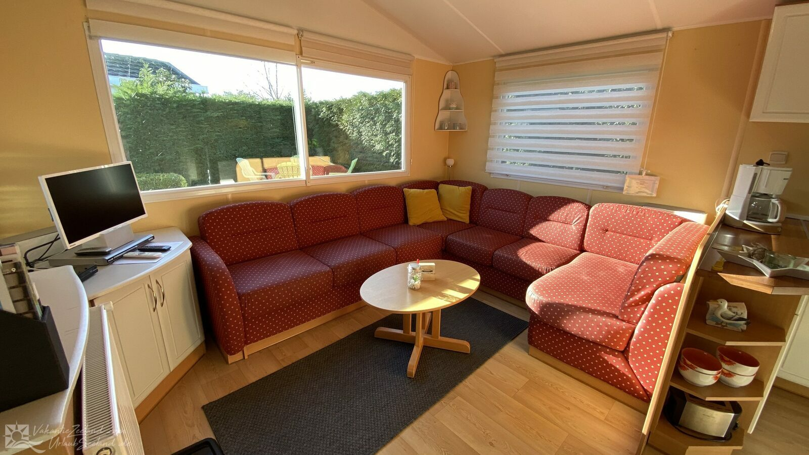 VZ943 Holiday chalet in Sint-Annaland