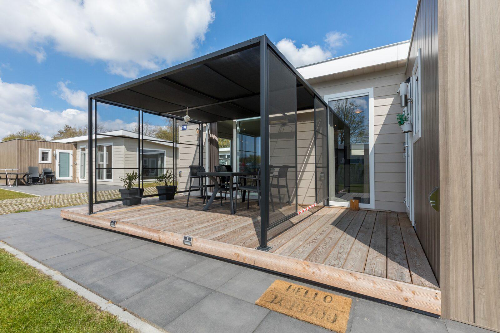 Chalet 4-persoons - Vakantiepark Hart van Zeeland    Heinkenszand