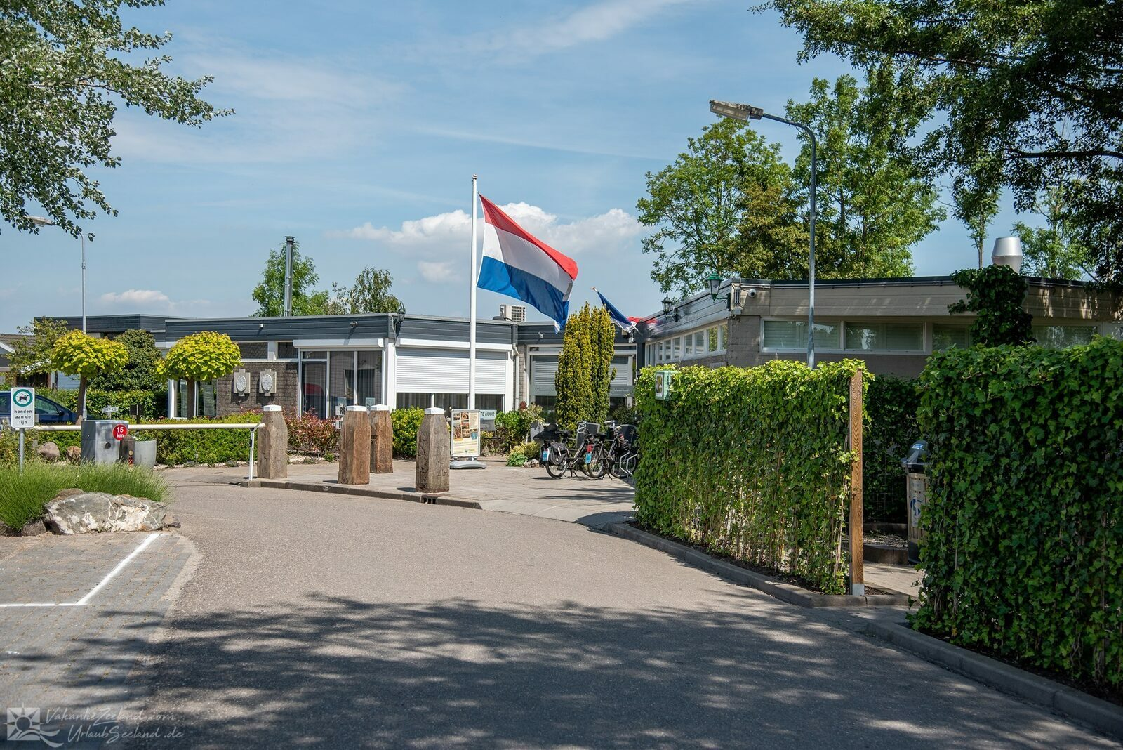 VZ927 Holiday chalet in Sint-Annaland