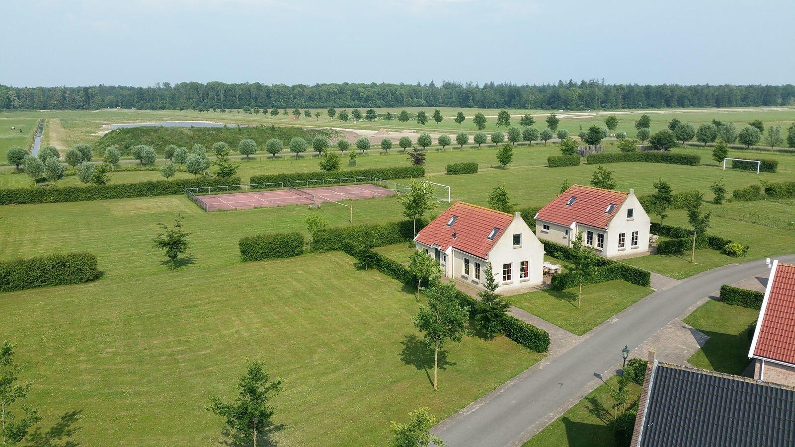 Stal mit 5 Komfort-Häusern