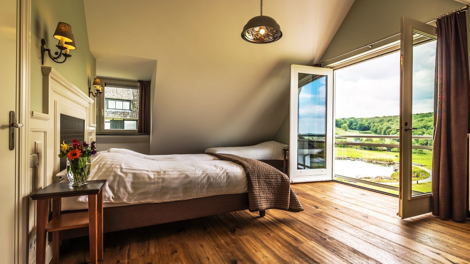 Witte Villa - luxe vakantiewoning Zuid-Limburg met zwembad en sauna