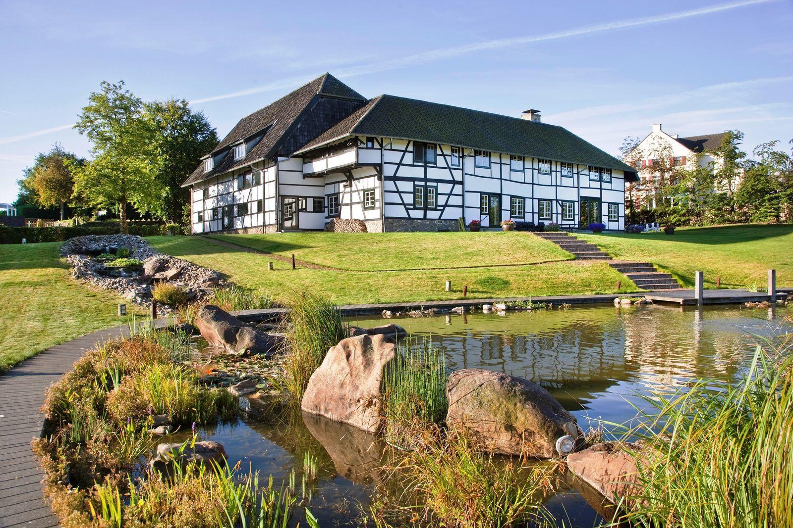 Carrehoeve Schweiberg - exclusieve vakantievilla met zwembad en