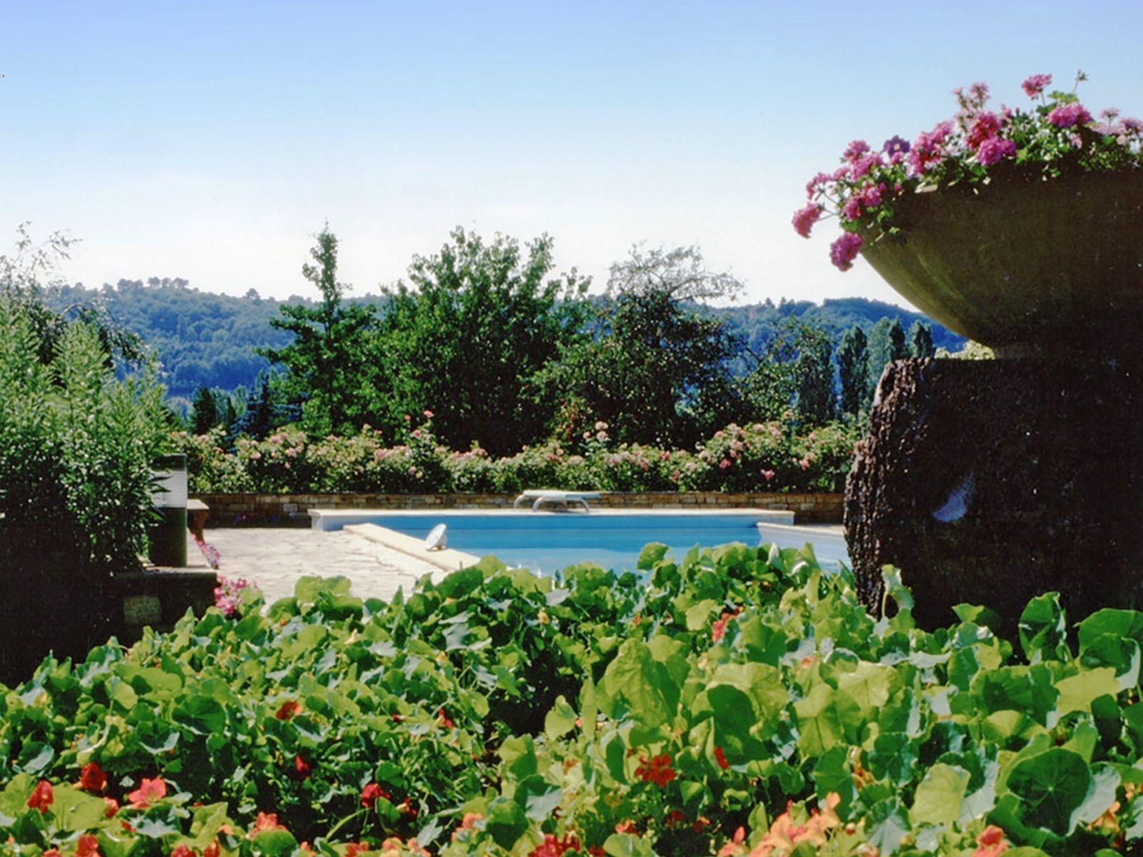 Chateau Prayssac - Bakkershuis vrijstaand huis met zwembad