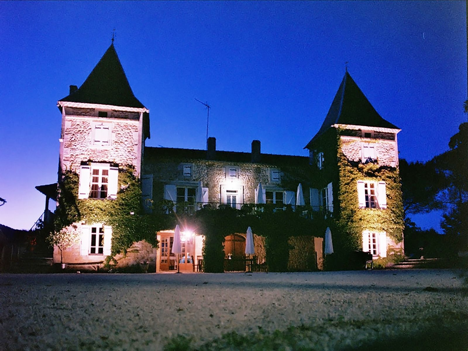Chateau Prayssac - A op kleinschalig vakantiepark met zwembad
