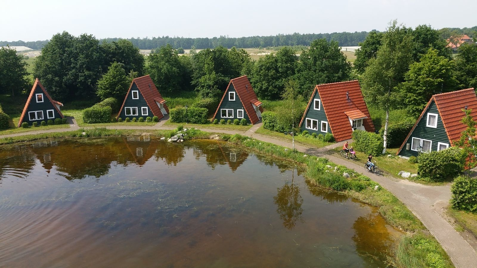 Group accommodation: combination of all holiday park accommodation options (206 people)