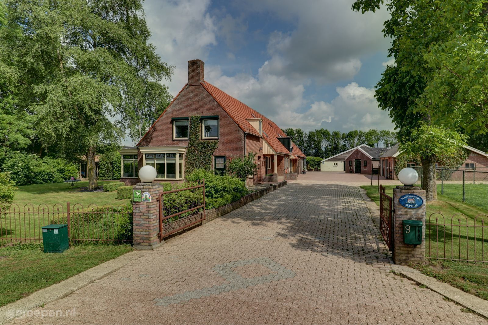 Group accommodation Beneden-Leeuwen