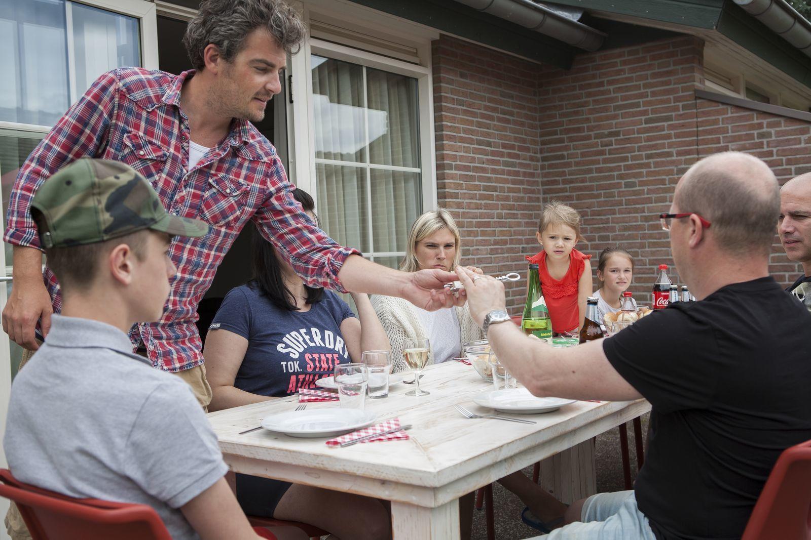 Bunckman 10-person bungalow