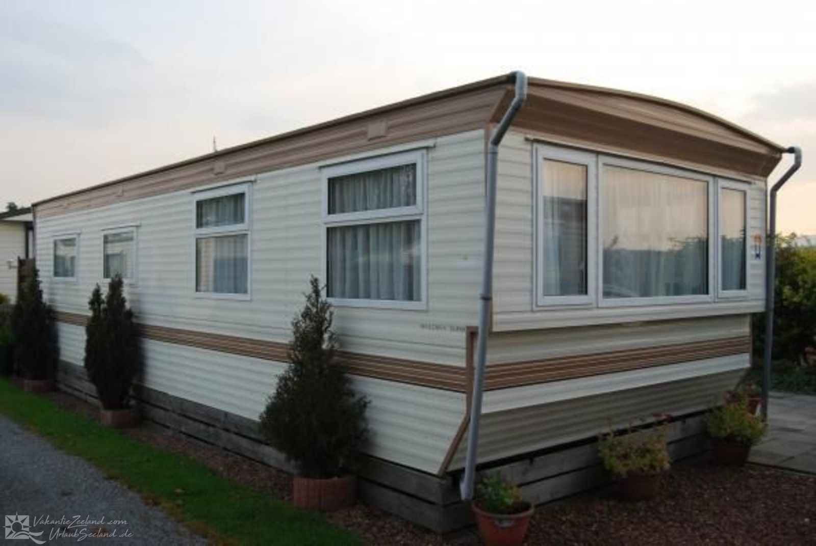 VZ489 Mobile home in Serooskerke