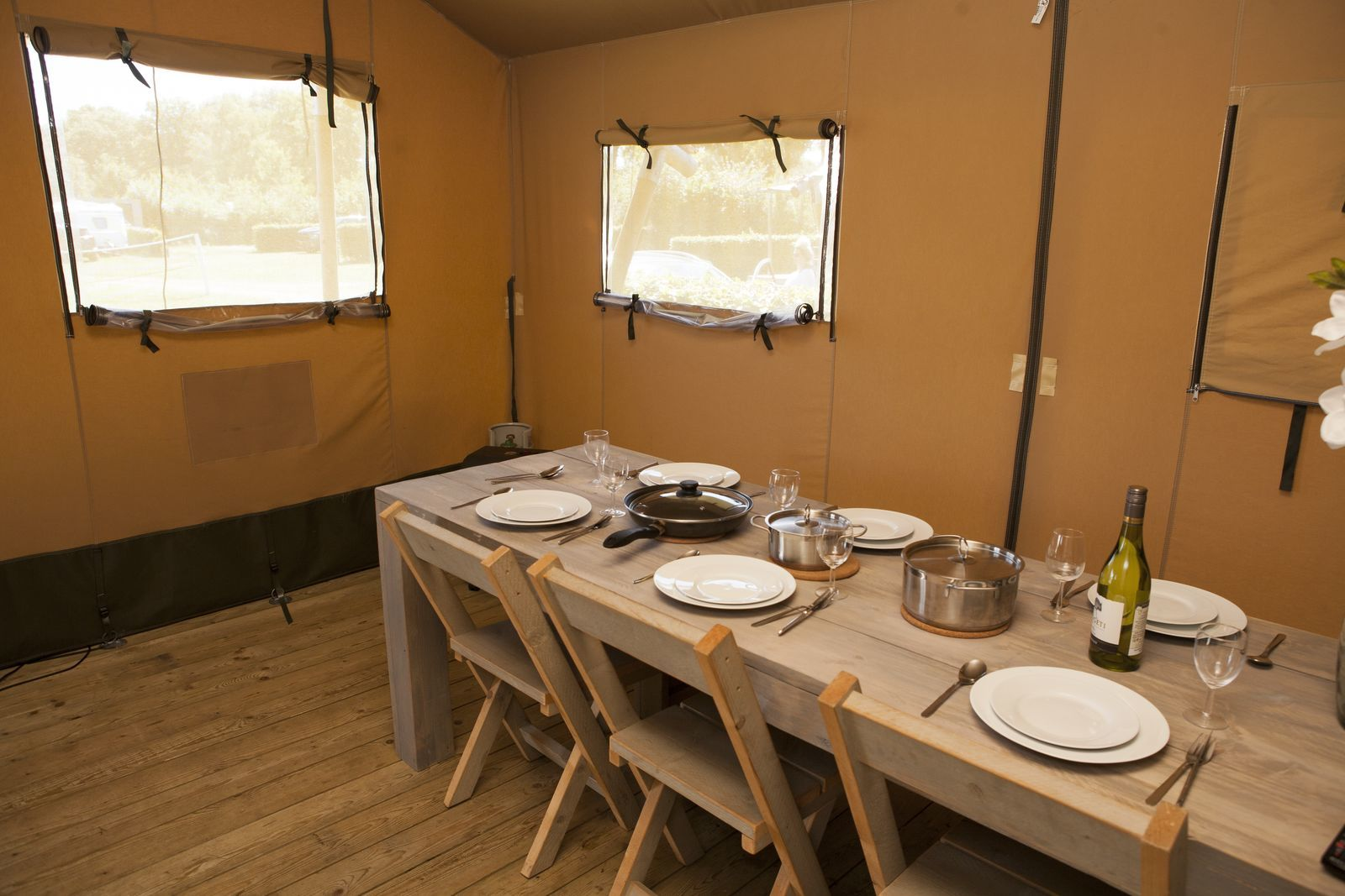 6-person luxury safari tent